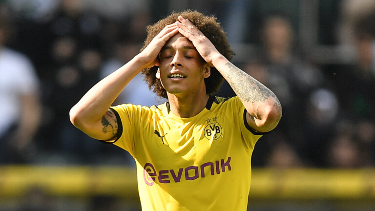 Dortmund's Axel Witsel reacts after the German Bundesliga soccer match between Borussia Moenchengladbach and Borussia Dortmund in Moenchengladbach, Germany, Saturday, May 18, 2019. (AP Photo/Martin Meissner)   (Foto: picture alliance/AP Photo)