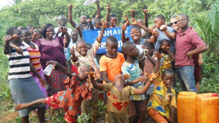 Die Kinder freuen sich – sie bekommen endlich ein neues Zuhause