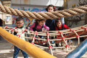 Action auf dem Dachgarten der Flüchtlingskita