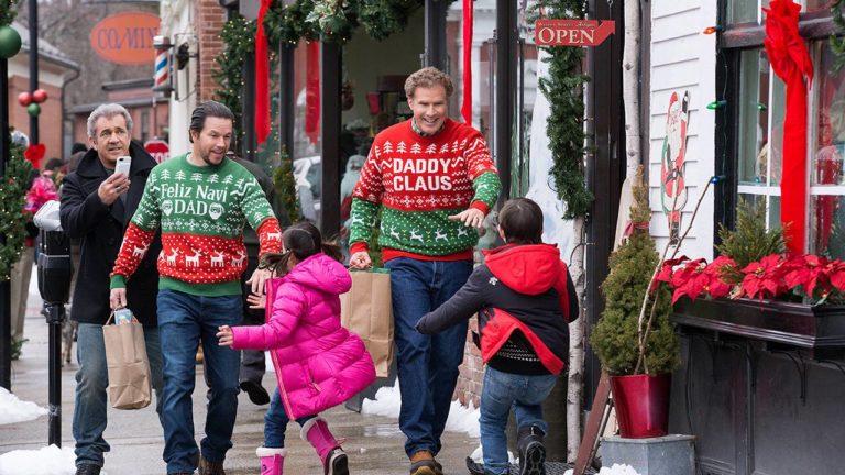"""Ersteigern Sie aus dem Film DADDY'S HOME 2 einen Christmas Sweater mit der Aufschrift """"Daddy Claus"""""""