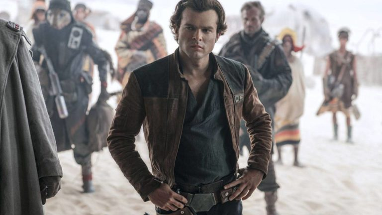 Han Solo (Alden Ehrenreich) ist der beliebteste und coolste Pilot des Weltraums