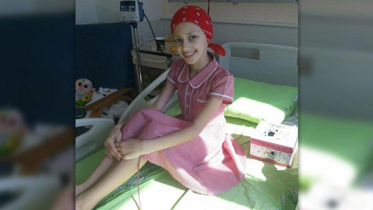 Hanna (12) aus der Ukraine hat den Knochenkrebs besiegt und darf endlich nach Hause