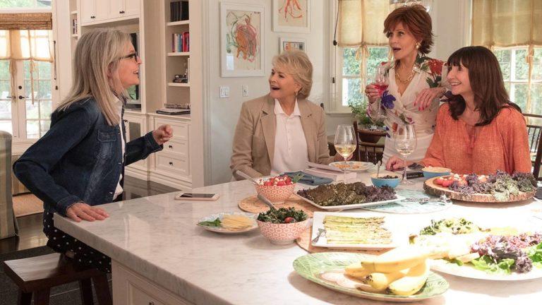 Vivian (Jane Fonda), Diane (Diane Keaton), Carol (Mary Steenburgen) und Sharon (Candice Bergen) gehen schon ihr halbes Leben gemeinsam durch dick und dünn