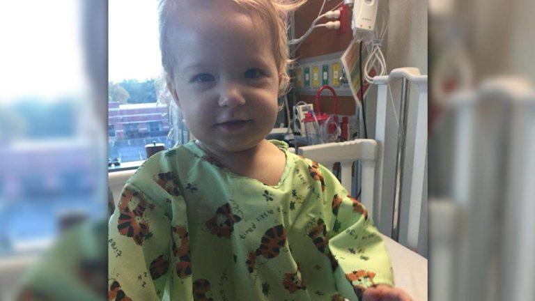 Aria im Krankenhaus in den USA. Dort hat sie ein gesundes Spenderherz erhalten