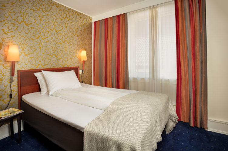 Augustin Hotellrom E 1 Foto Hans Jørgen Brun 190611 5676
