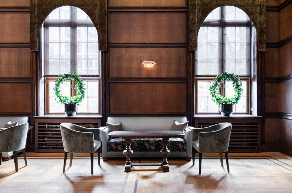 Bilde av sofagruppe i Store Salong på Grand