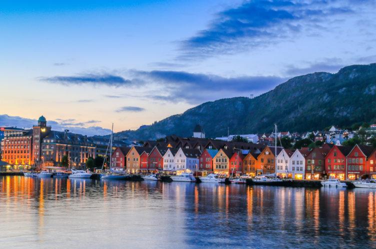 Bryggen With Boats Bg260
