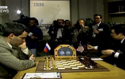 How do chess engines think? | chess24 com