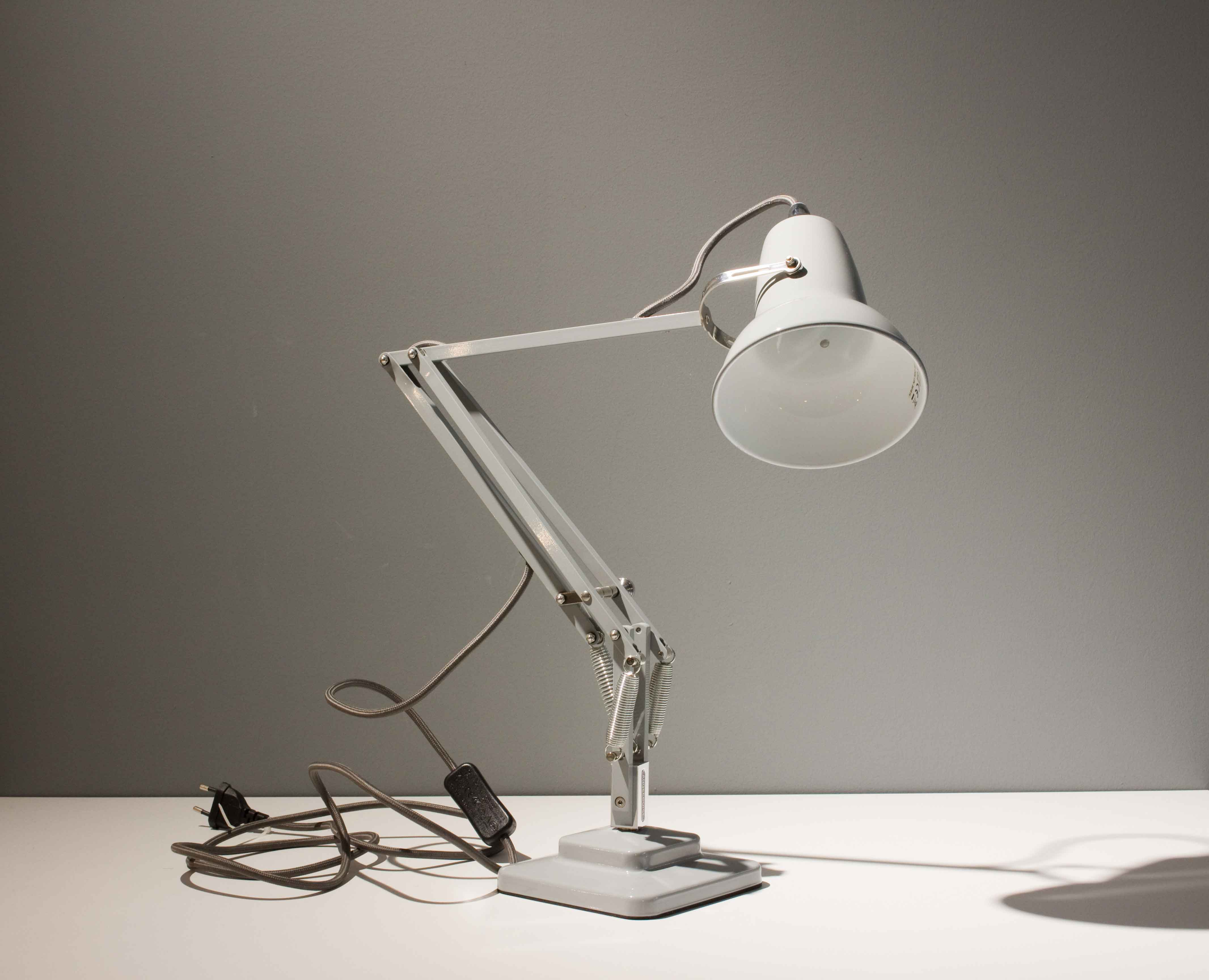 Original_1227_mini_desk_lamp-Anglepoise-Deesup