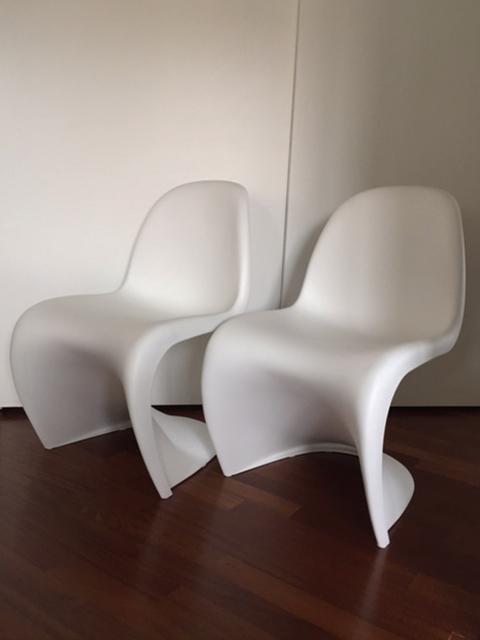 Set of 2 Panton Chairs (white), Vitra