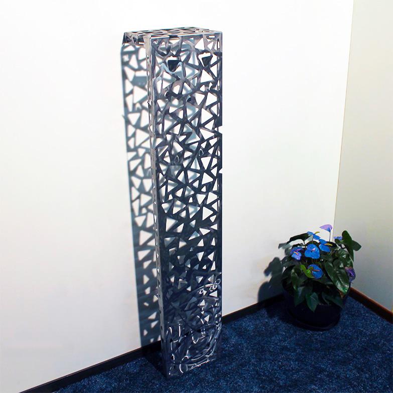 Skaleno, Nikla steel design - Deesup