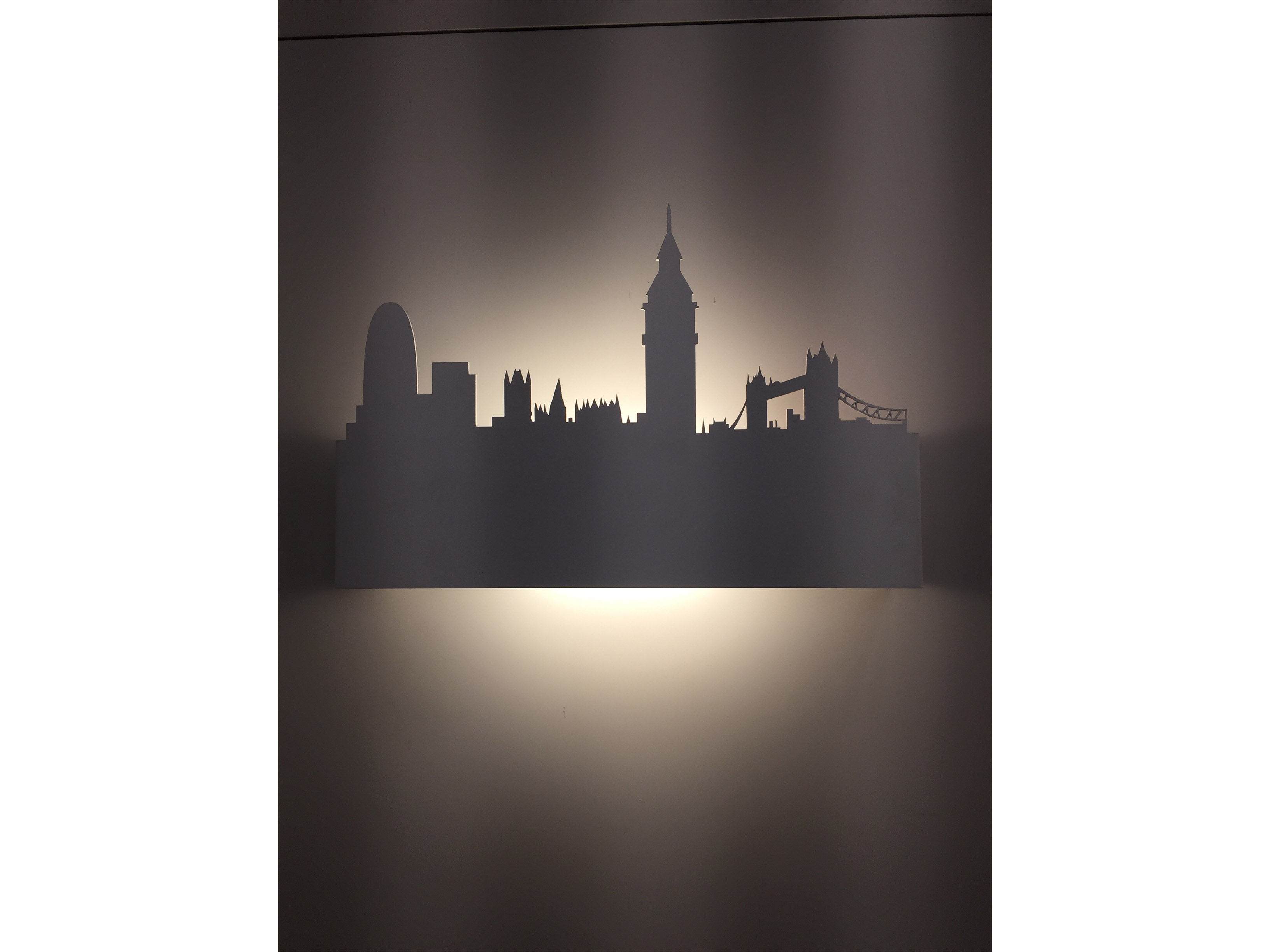 London, Sforzin - Deesup