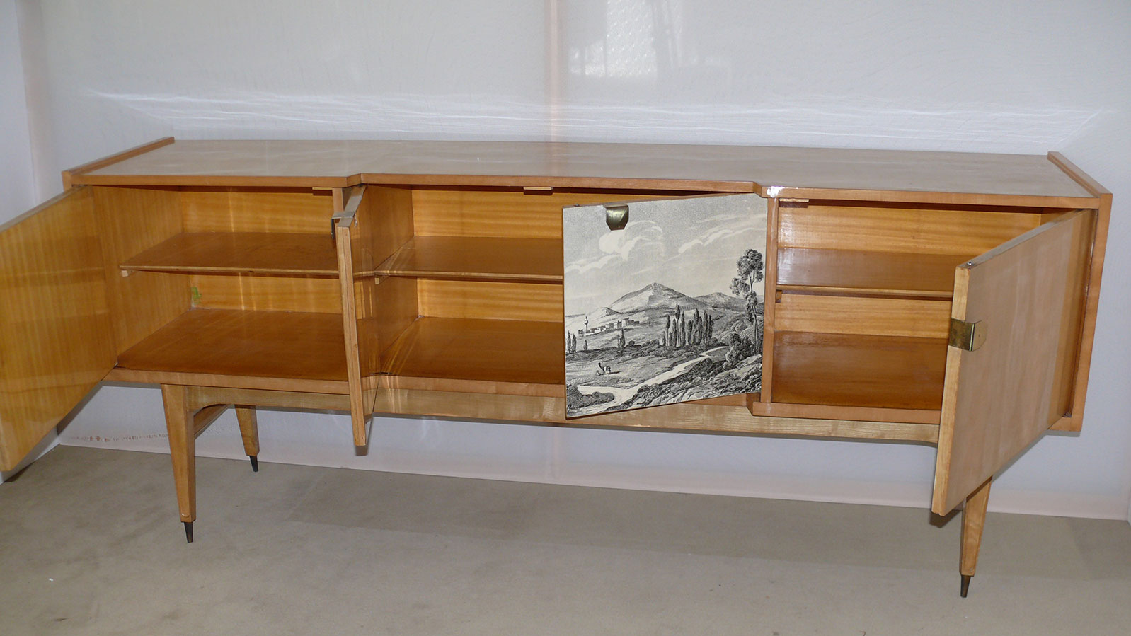 Sideboard disegno centrale anni '50 - Deesup