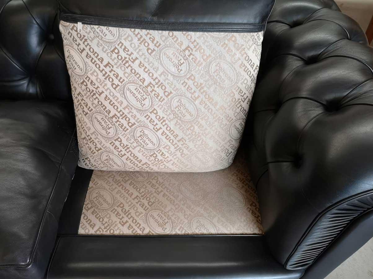 Black leather Chester Sofa, Poltrona Frau - Deesup