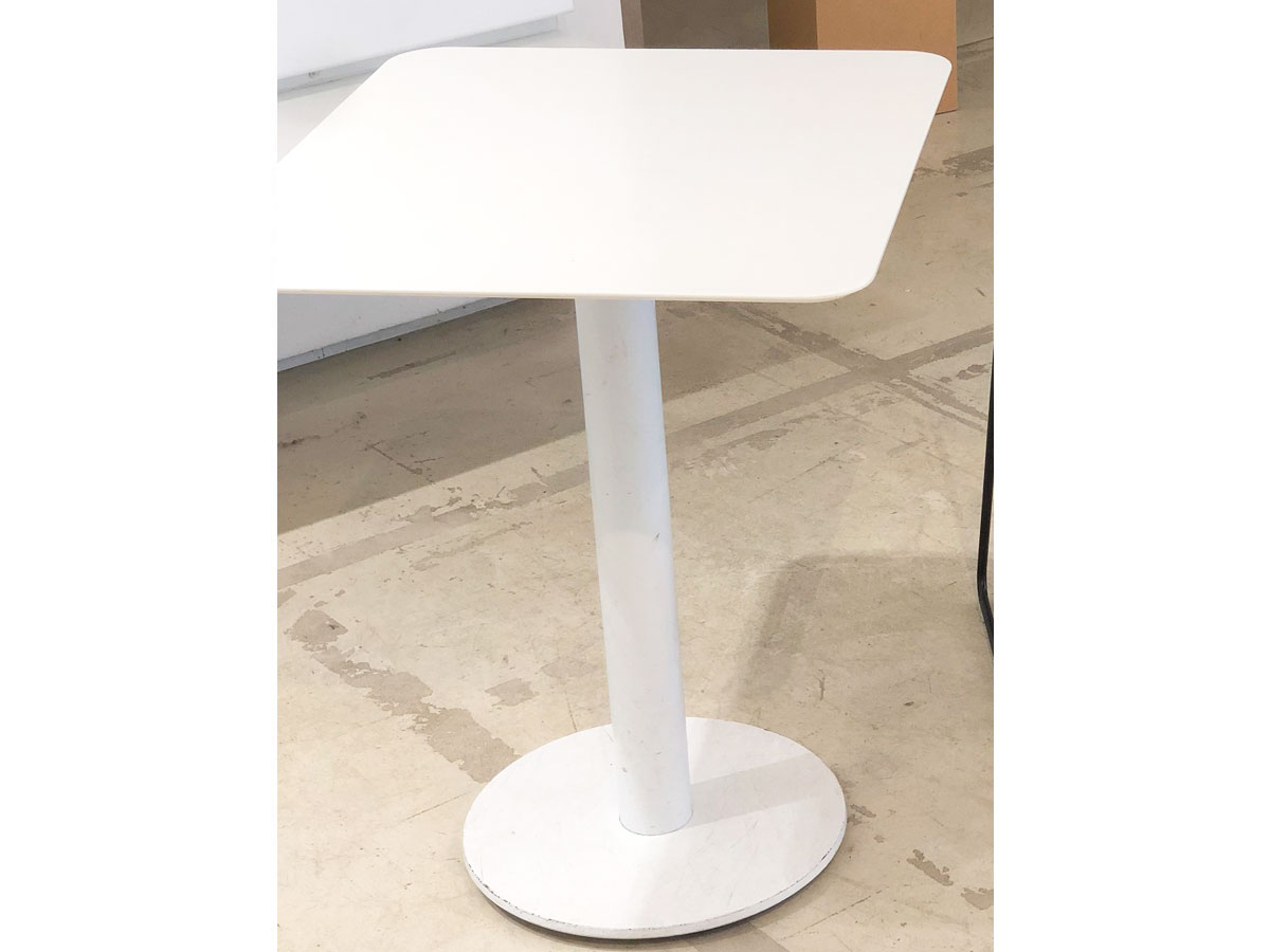 Corian table, Devoto - Deesup