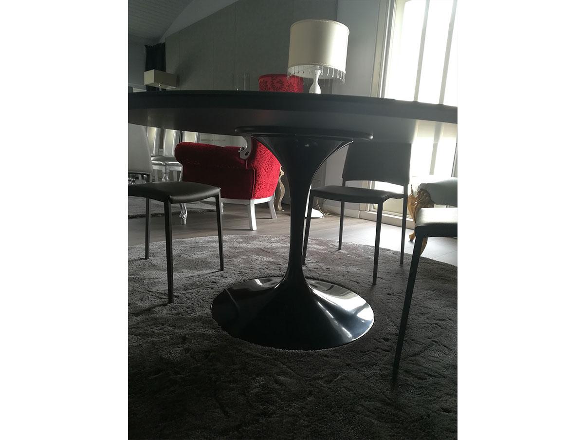 Tavolo tondo Tulip Eero Saarinen di Knoll con piano ...