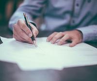 Fra nytår er det også muligt for selskaber at nyde godt af samme dækning af advokatbistand i forbindelse med tvister med SKat, som hidtil kun har været privatpersoner og personligt ejede selskabers ret