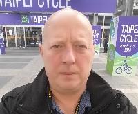 Finn W. Petersen er cykel-iværksætter og råder andre til at være opsøgende og selv skabe de vigtige kontakter