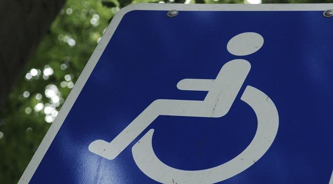 Hvordan kan du parkere, når du har et handicapparkeringskort? Bliv klogere på dine muligheder
