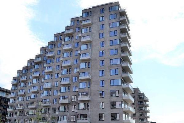 234 altaner er nu ophængt på det færdige Polaris byggeri