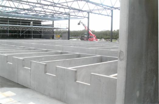 Flere betonelementer til dambrug