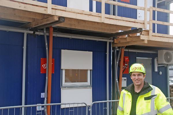 Ajos cementerer kraftigt sin rolle som byggepladsentreprenør