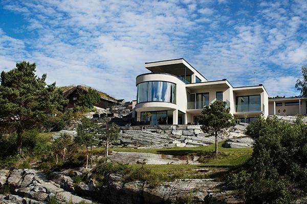 Drømmehus med frit udsyn i et stilrent design