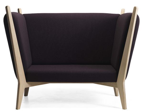 OFF sofa / stol i tre størrelser til ro og eftertænksomhed designet af Isabel Ahm