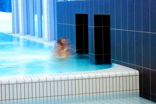 Ardex: Sådan undgår du at skylle bassinet ud med badevandet