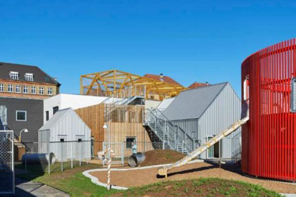 Verdens bedste børneby: En miniby for børn med REDAir FLEX i væggene