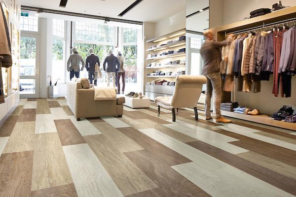Nyt gulv gør det lynhurtigt at renovere