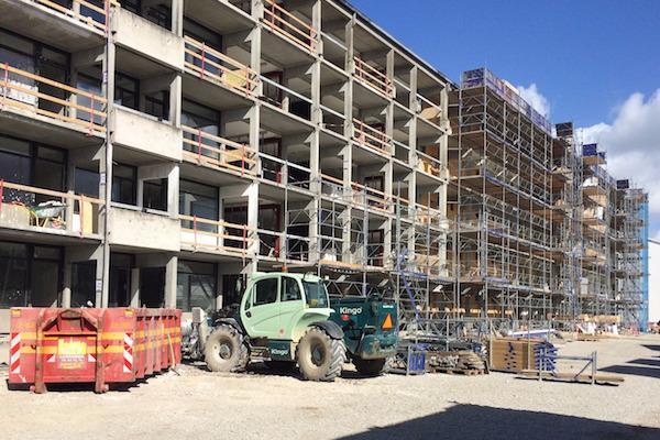 Nedbrydning i fuld gang på Fyns største renoveringsprojekt