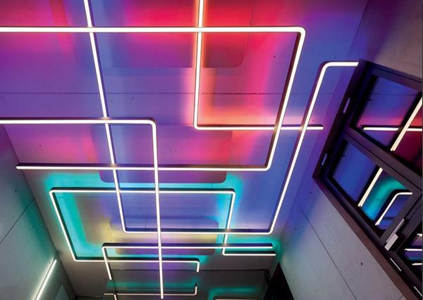 Liquid Line - Lightnet by LUMINEX