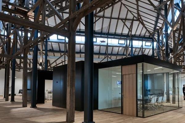 Triplan har skræddersyet glasvægge til CASA´s nye domicil