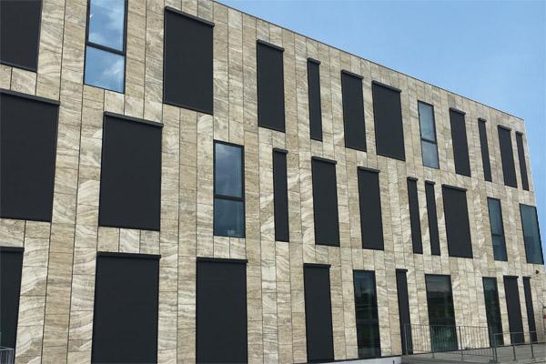 FOSS vælger solafskærmning fra Jyllands Markisefabrik