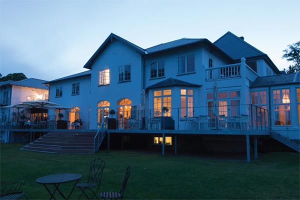 Naturskifer giver stella maris hotel I danmark et tidløst udtryk