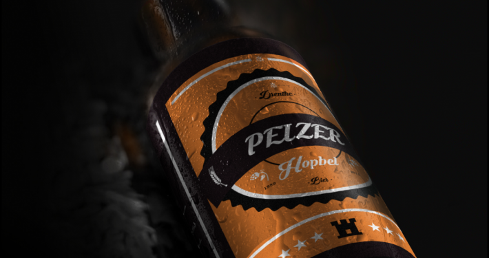 Bierproeflokaal: Lokaal gebrouwen Peizer Hopbel Bier