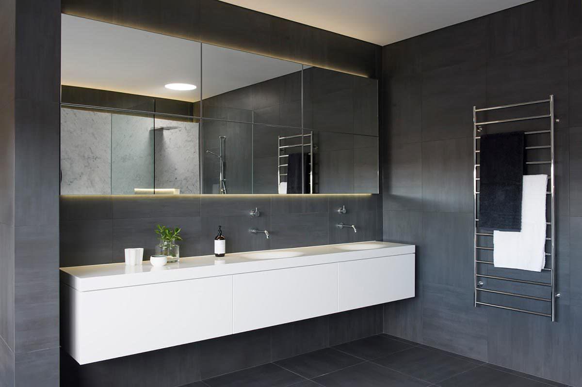 Minimalistisches Luxus-Badezimmer Von Minosa Design