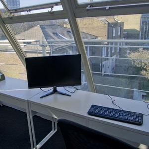 Desk sq