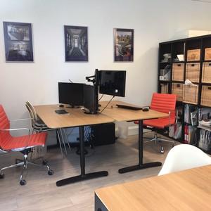 Desk 1   2