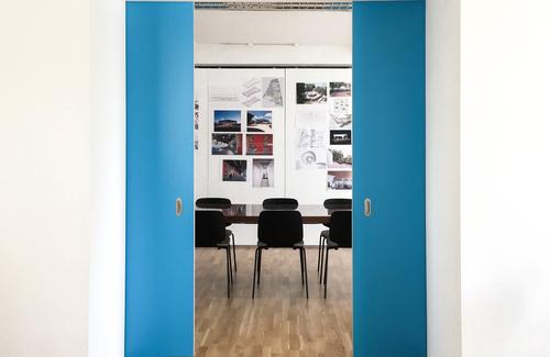 Meeting room door 1