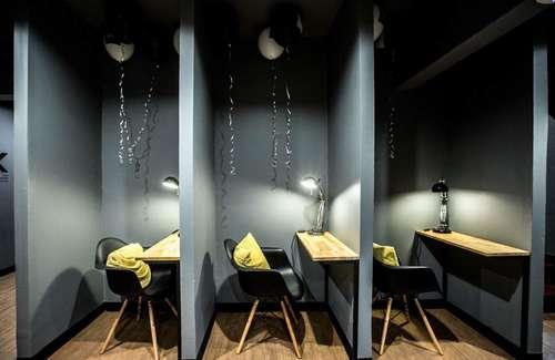 Quiet booth