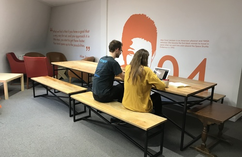 Coworking breakout space 2 %282%29