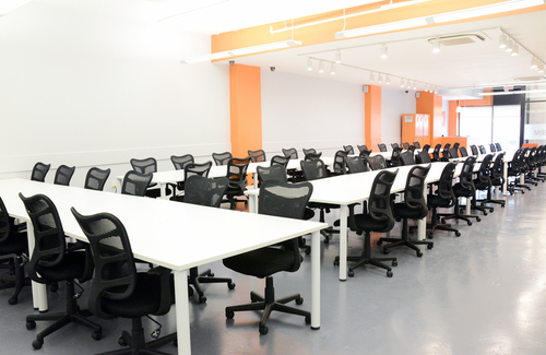 Teem coworking dedicated desks front