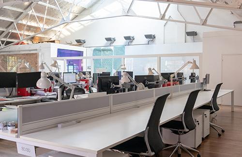 2. good image of rental desks img 3093 lowres 500x325