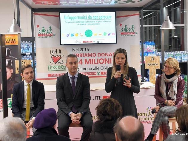 """Despar Nordest: """"Nel 2016 abbiamo recuperato e donato cibo per 5,4 milioni di euro""""."""