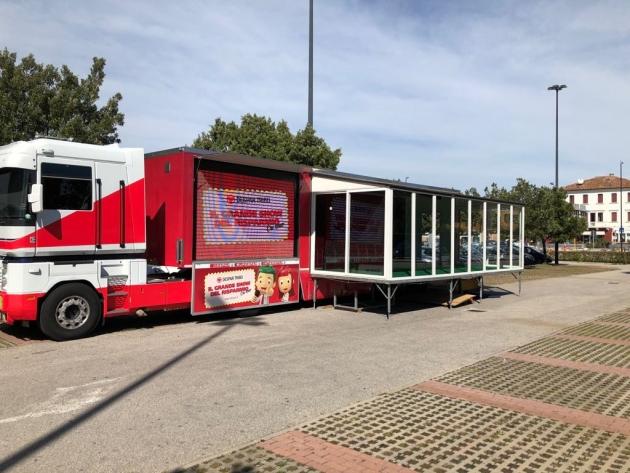 Digitalmeet2018: corsi di alfabetizzazione digitale all'Interspar ... anche in truck!