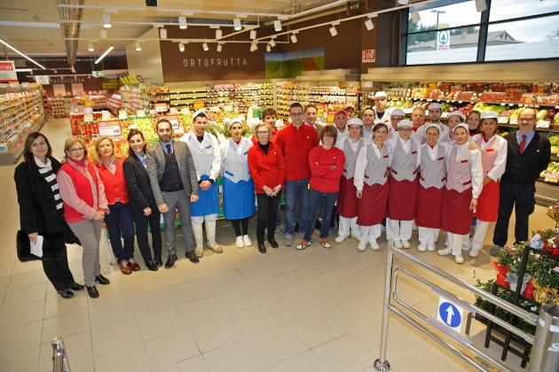 """Udine, via Cotonificio: il """"vecchio"""" supermercato passa la staffetta al nuovo Eurospar, senza chiudere un solo giorno"""