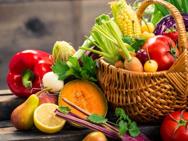 Dal campo alla tavola: 4 passi con frutta e verdura.