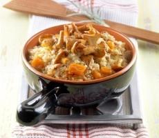 Quinoa con zucca e finferli al coriandolo